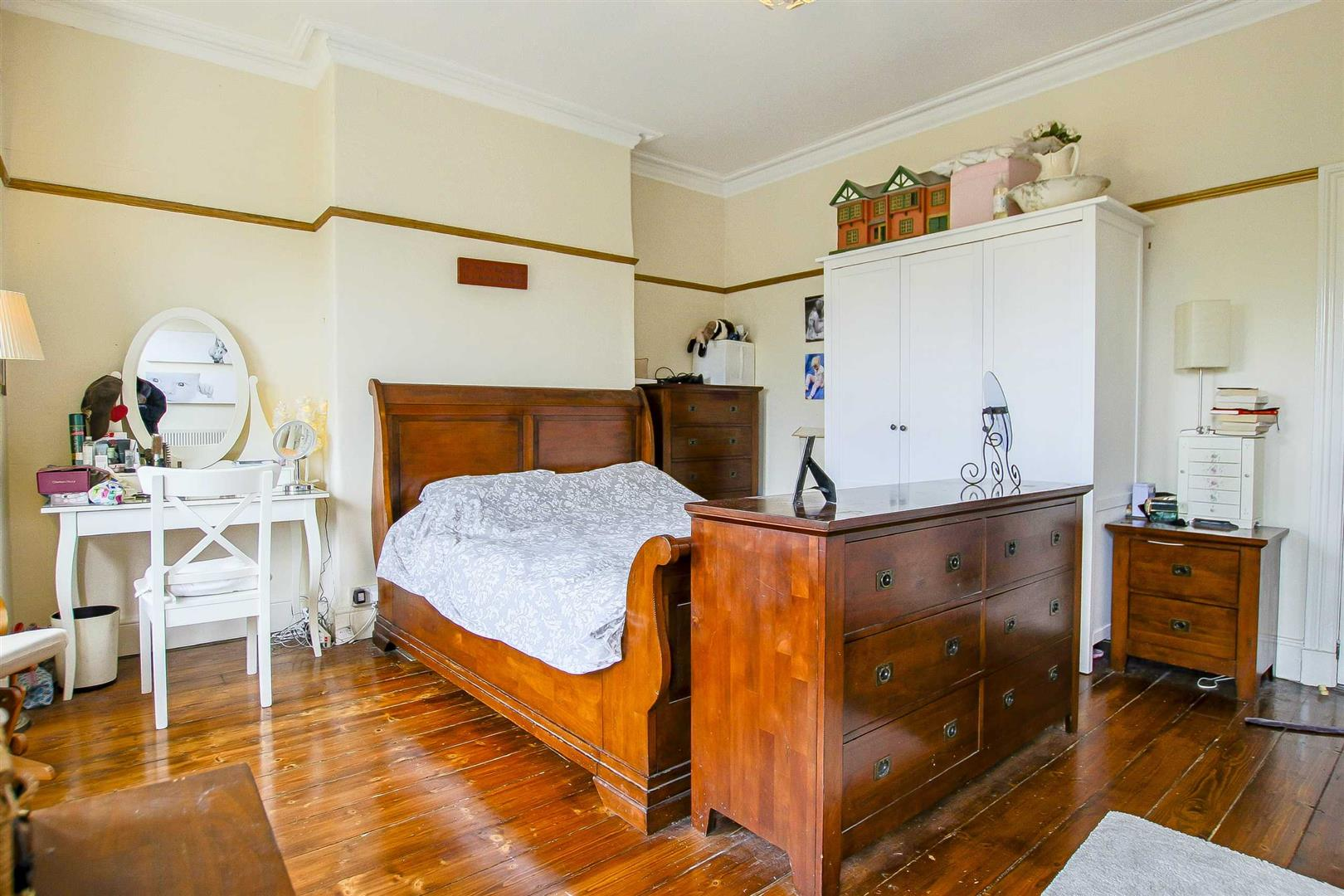 5 Bedroom Terraced House For Sale - Image 26